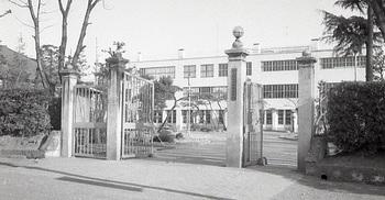 1965年4月栃木高校正門1.jpg