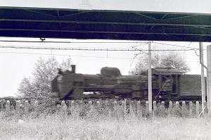 1968年城内の陸橋を潜るSL.jpg