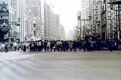 1972年5月銀座歩行者天国2.jpg