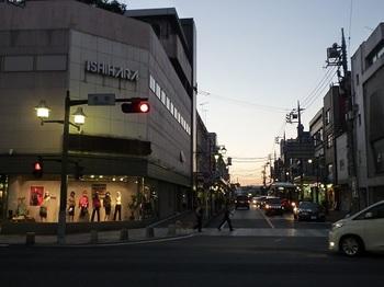 2010年10月10日夕暮れの銀座通り.jpg