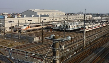 2011年3月20日新栃木駅車庫.jpg