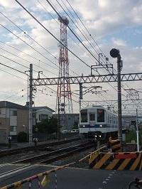 2013年9月新栃木駅南踏切.jpg