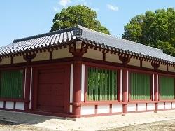 下野薬師寺回廊復元.jpg