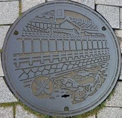 栃木市旧マンホール蓋.jpg