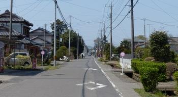 榎本宿旧街道(東西方向).jpg