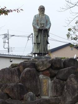 田中正造翁銅像1.jpg