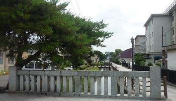 県庁堀(鶉橋より).jpg