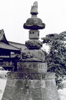 神明宮石燈籠19.jpg