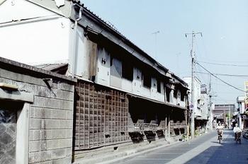 蔵のアパート.jpg
