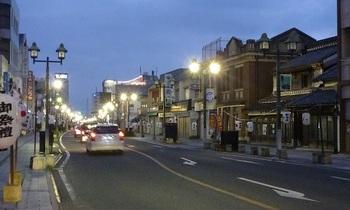 蔵の街大通りの夕暮れ1.jpg