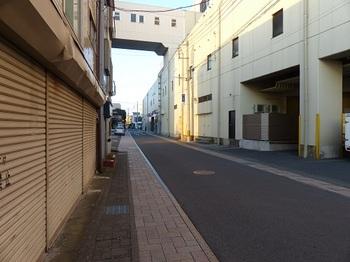 蚤の市通り1.jpg