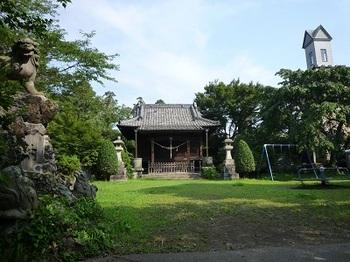護国神社社殿正面.jpg