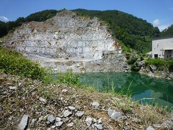 鍋山石灰工場2.jpg