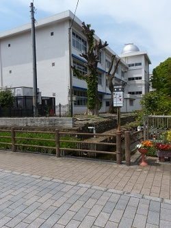元県庁堀北東角.jpg