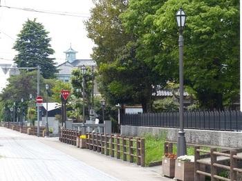 元県庁堀東側の道.jpg