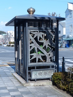 天明鋳物の公衆電話ボックス.jpg