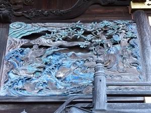 本殿右側面彫刻1.jpg