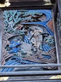 本殿右側面彫刻2.jpg