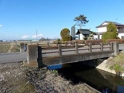 杣行木川に架かる橋.jpg