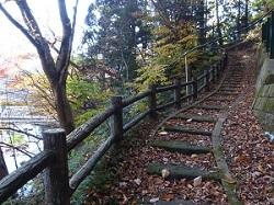 板室温泉神社参道1.jpg
