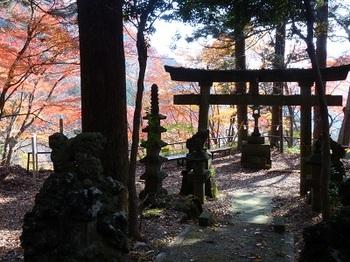 板室温泉神社2.jpg