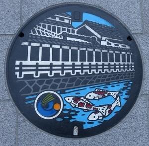 栃木市マンホール蓋カラー版2枚目.jpg