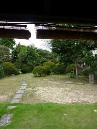 永井路子旧宅中庭.jpg