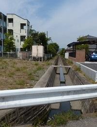 浅間神社方向からの水路.jpg