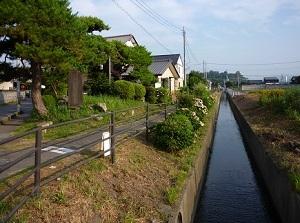 薗部町記念塚から錦着山方向.jpg