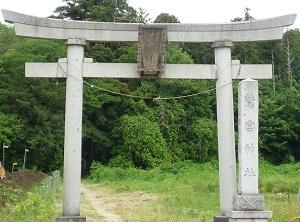 鷲宮神社鳥居.jpg
